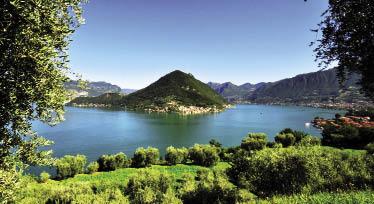 Lago d'Iseo e i vigneti della Franciacorta